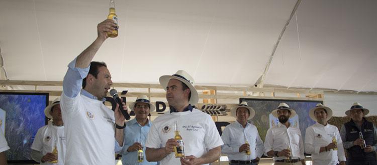Corona, una marca producida con cebada 100% nacional y por manos mexicanas
