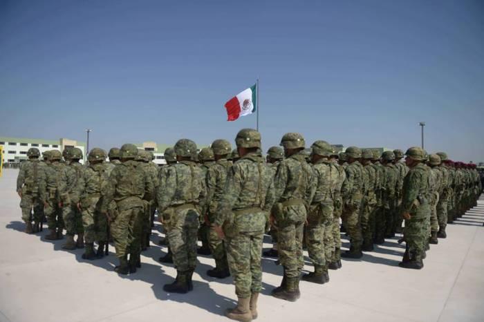 Urge al Ejército Mexicano una campaña de relaciones públicas que le ayude a entender al pueblo de México. Y viceversa.