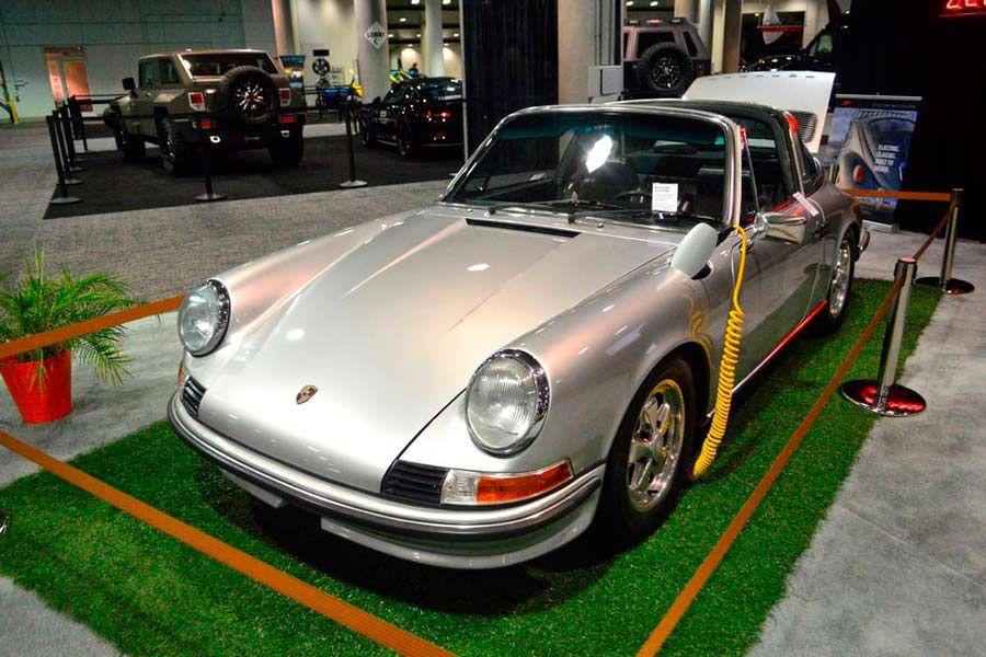 Imparte Porsche una cátedra de lo que es hacer buena publicidad, para autos, en TV