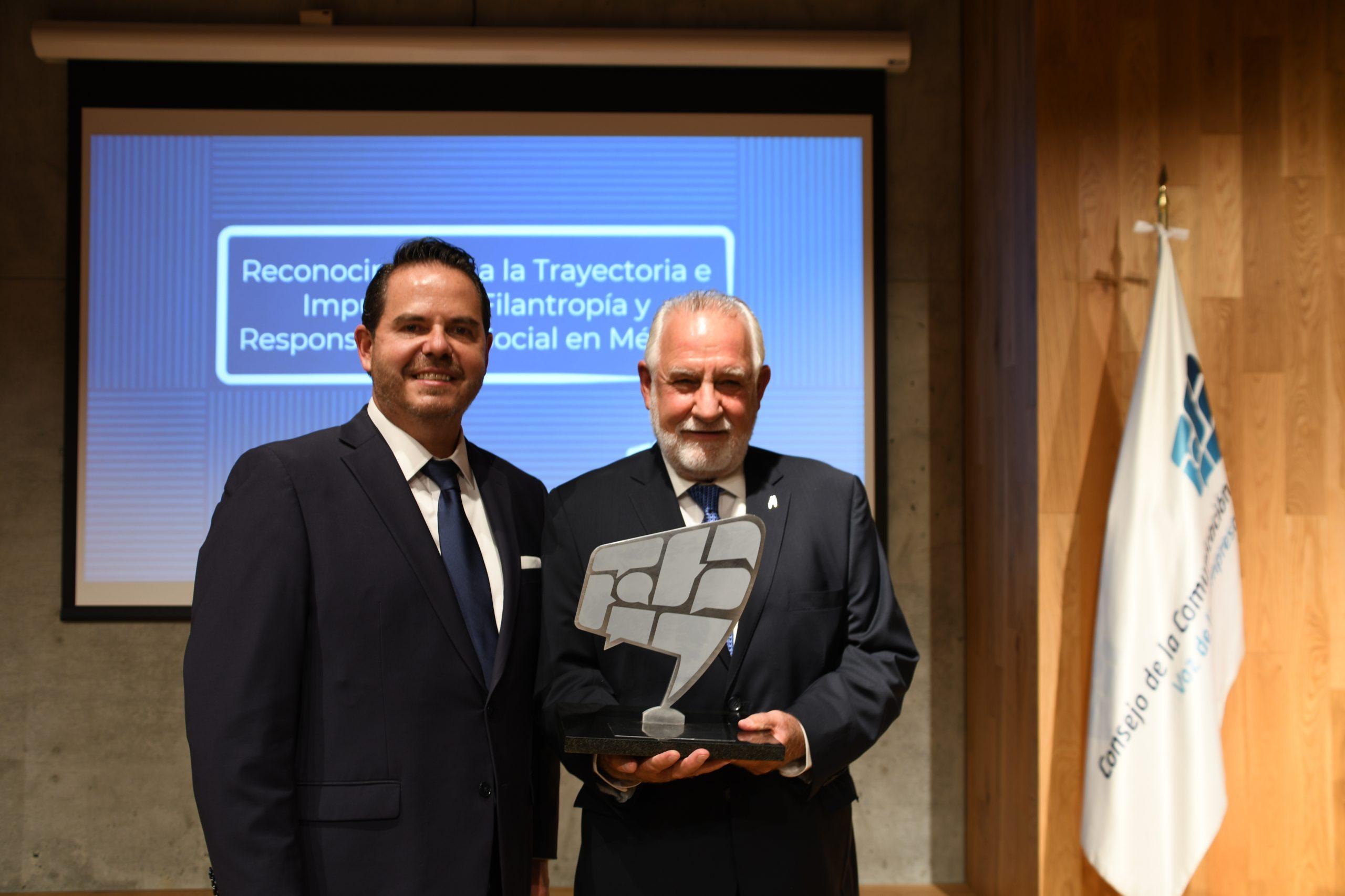 El Consejo de la Comunicación y el Centro Mexicano para la Filantropía entregan Reconocimiento a Jorge Villalobos Grzybowicz