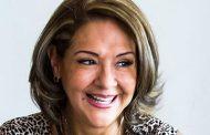Alejandra Jiménez sugiere que, lo mejor, sería ponernos de acuerdo en una comisión fija para las agencias.